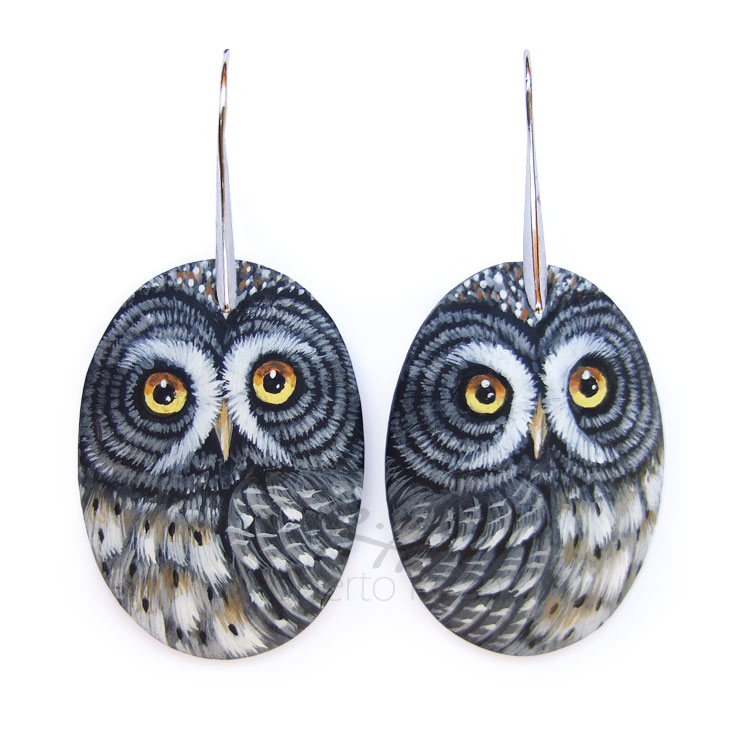 Great grey owl pendants