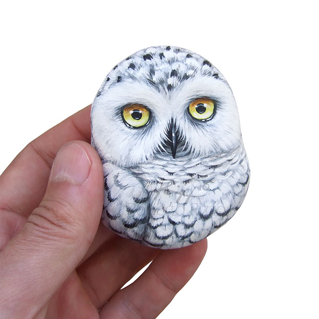 Hand painted snowy owl