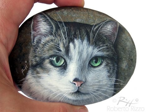 Hand Painted Cat Head On A Pebble
