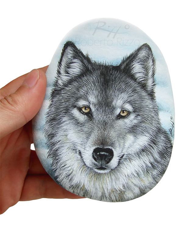 Wolf painting on rock